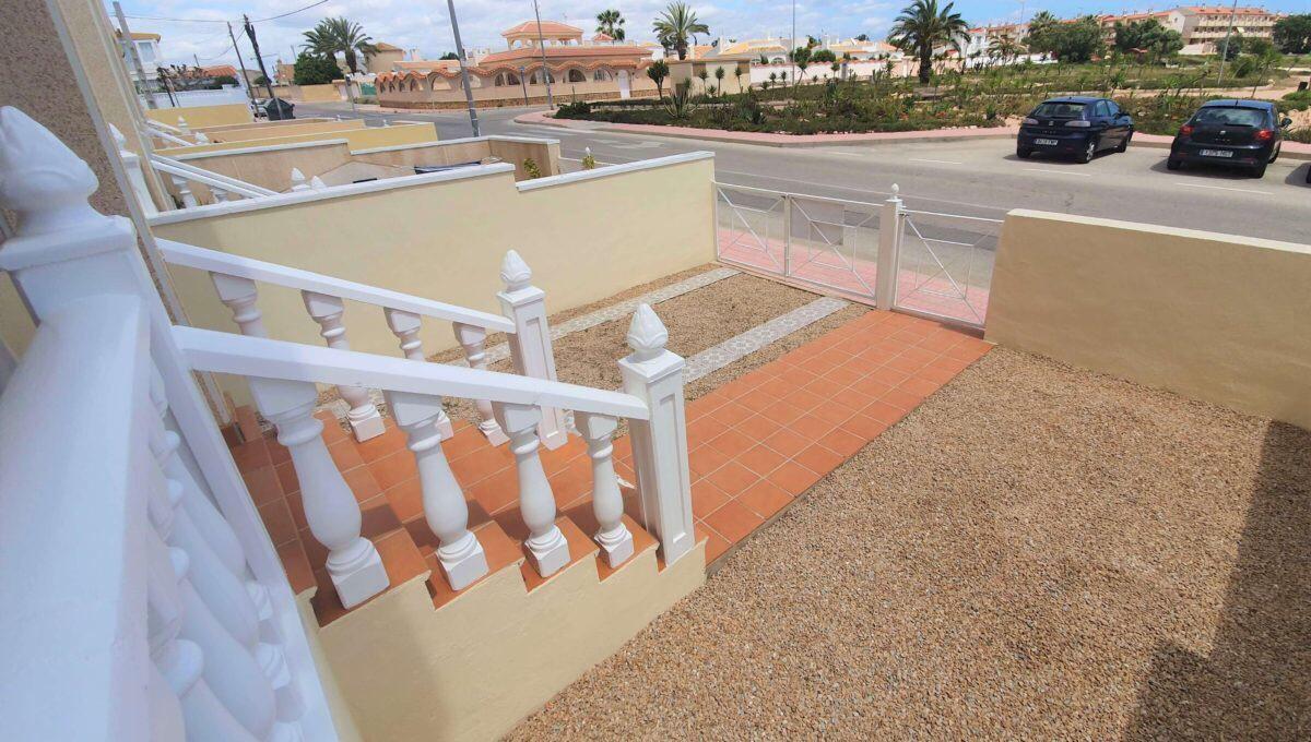 Bungalow w Orihuela Costa / Playa Flamenca z widokiem na park