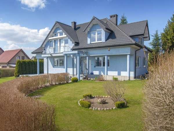 Dom wolnostojący na sprzedaż TY189548