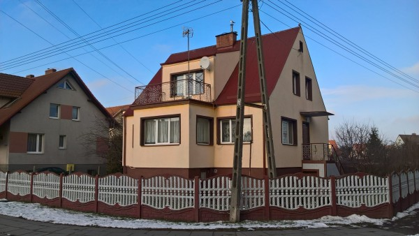 Dom wolnostojący na sprzedaż TY396034
