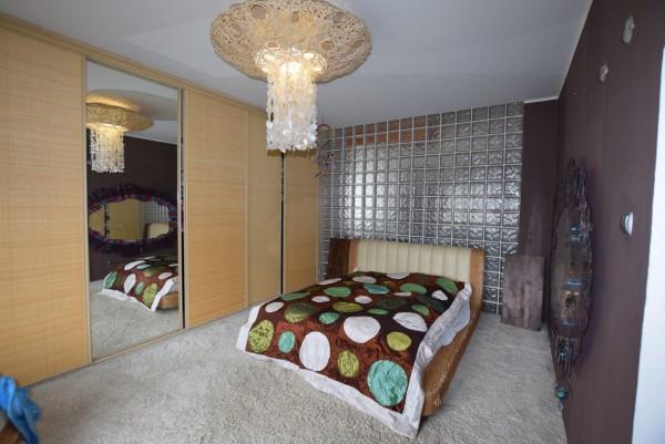 Mieszkanie na sprzedaż TY557160