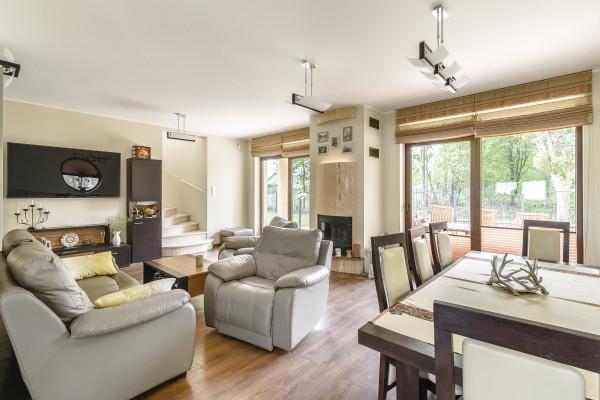 Dom wolnostojący na sprzedaż TY585301