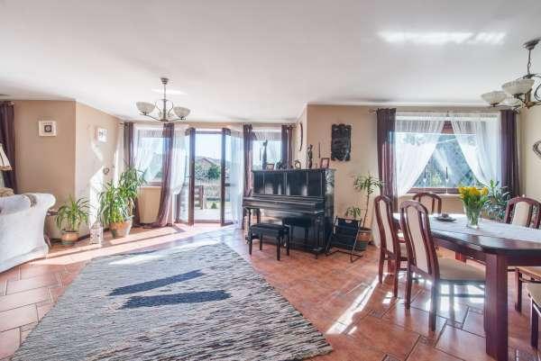 Dom wolnostojący na sprzedaż TY371149
