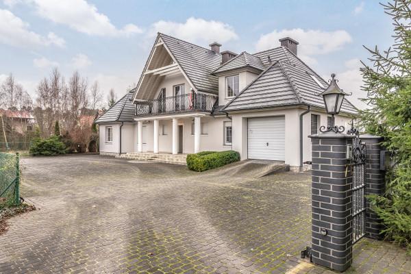Dom wolnostojący na sprzedaż TY965895