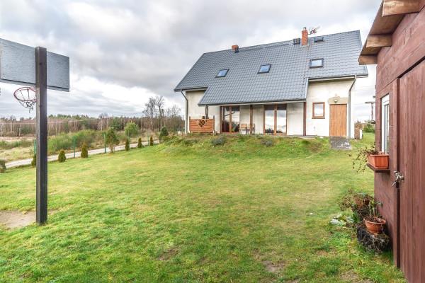 Dom wolnostojący na sprzedaż TY881144