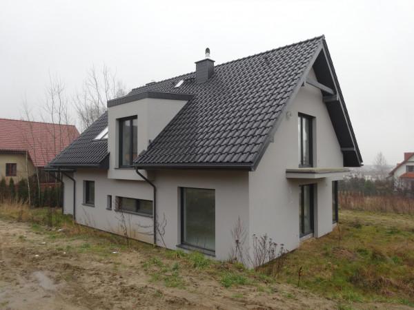 Dom wolnostojący na sprzedaż TY794006