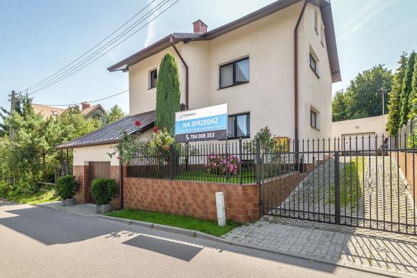 Dom wolnostojący na sprzedaż TY247707