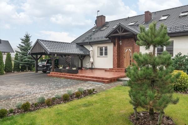 Dom wolnostojący na sprzedaż TY236673