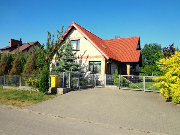 Dom wolnostojący na sprzedaż TY601285