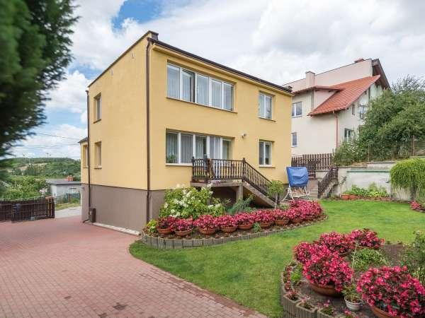 Dom wolnostojący na sprzedaż TY955584
