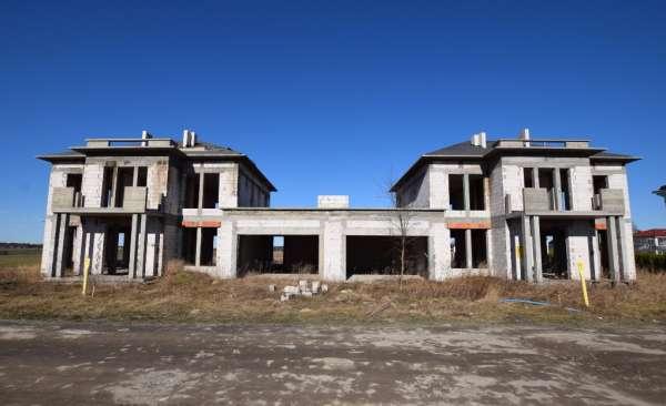 Dom bliźniak na sprzedaż TY769827
