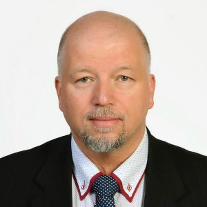 Piotr L. Szmidt