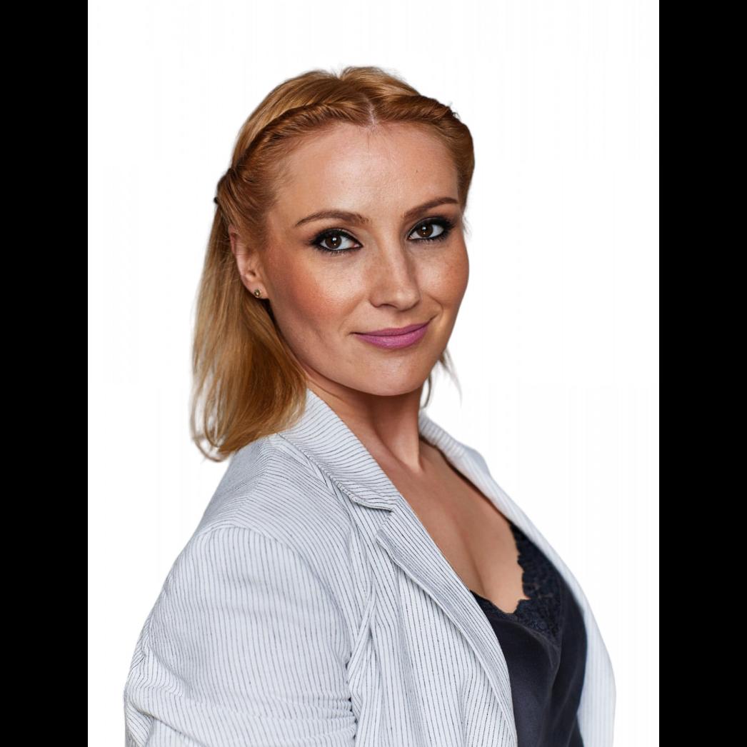 Olena Stolat